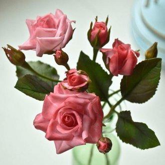 Кустовые розы поштучно