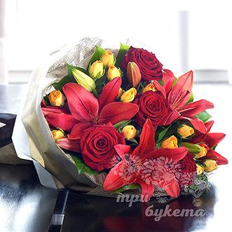 Букет из красных лилий и роз