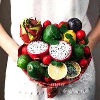 Букет из авокадо и лимонов