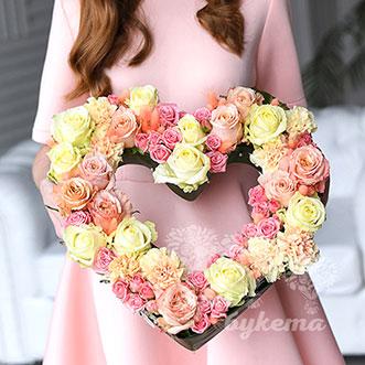 Сердце из роз на 14 февраля
