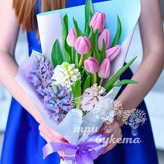 Тюльпаны и гиацинты на 8 марта