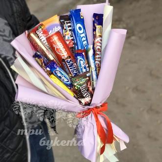 Букет из шоколадных батончиков